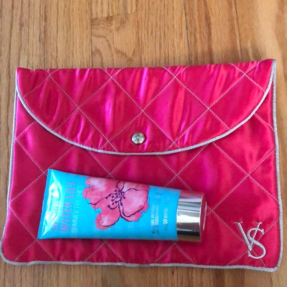 d409936777796 New Victoria's Secret pouch & Sheer Water lily set NWT